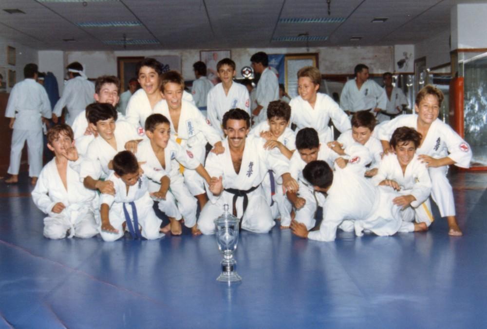 1990 Infantiles con Trofeo Campeón de Europa Shihan